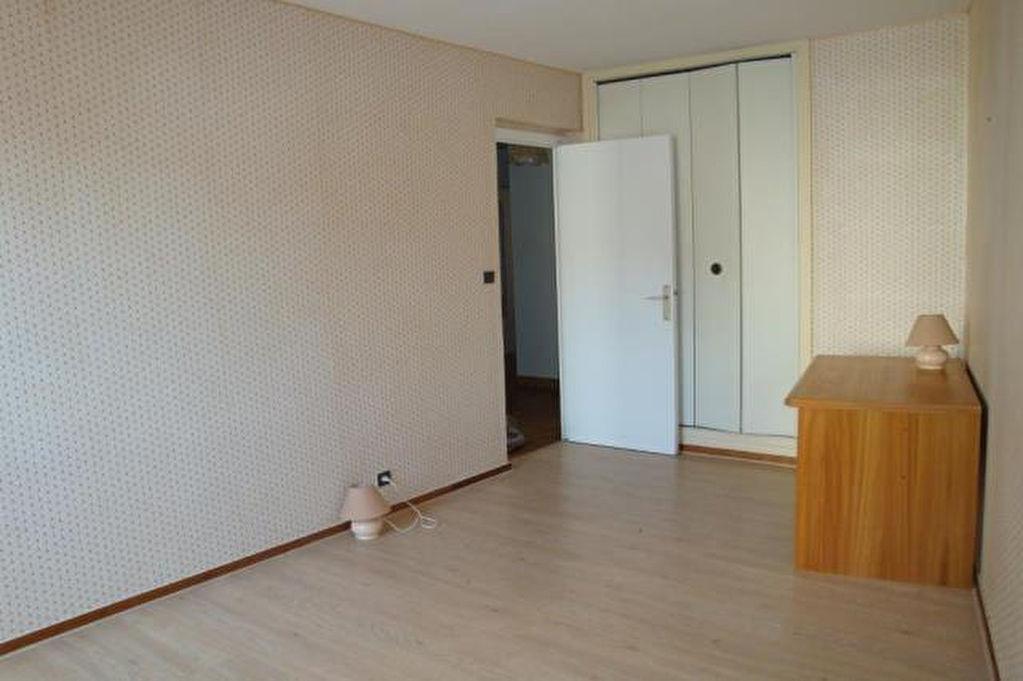 vente appartement 3 pieces de 65 m2 en centre ville au calme