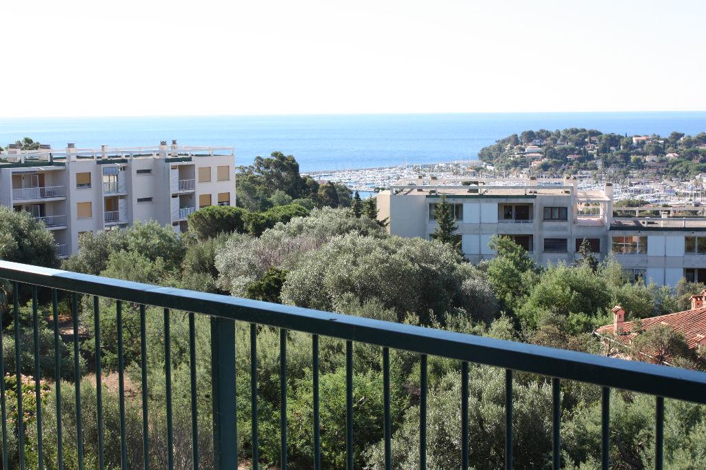 Superbe appartement. Grande terrasse. Magnifique vue mer