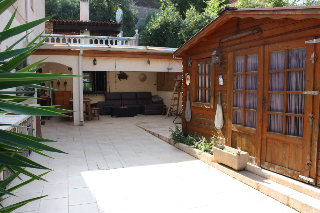 Rez de villa de villa de 91 m2. Terrasse 70 m2