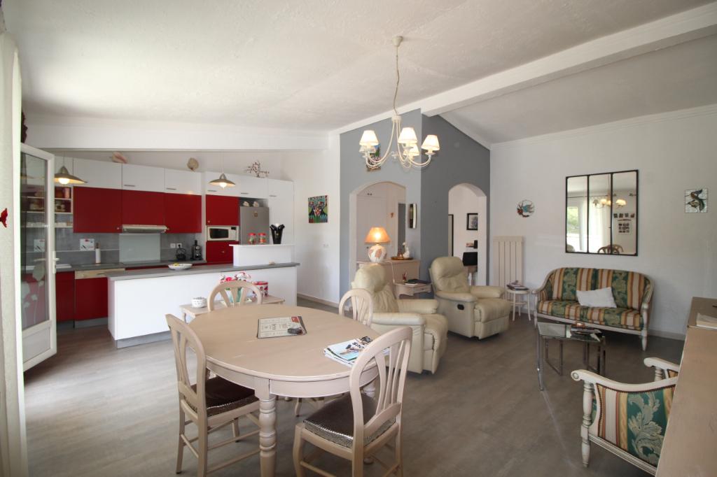 Spacieux 4 pièces de 100 m2. Porto di mar.
