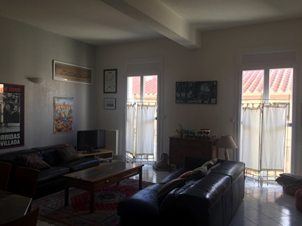 APPARTEMENT TRÈS CLAIR 100 m² - LOCAL RdeCh 50 m².