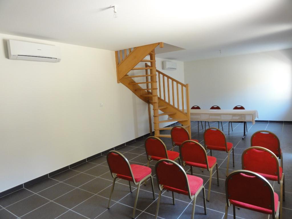 T3 Duplex idéal local professionnel et/ou habitation.
