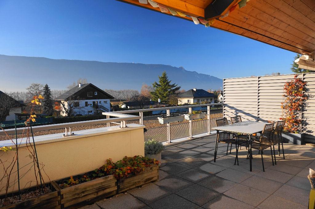 T4 dernier étage - terrasse de 27 m² ouvrant sur les montagnes