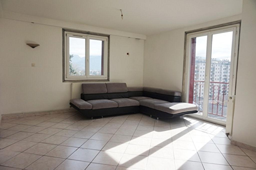 T3 66 m² clair et calme.
