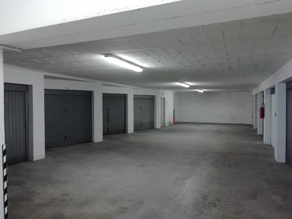 Garage fermé secteur Gare - Verney