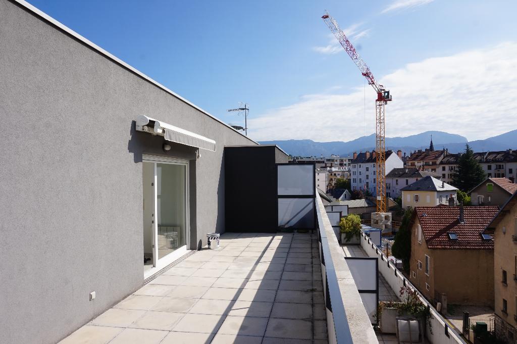 Une terrasse de 30m² en dernier étage!
