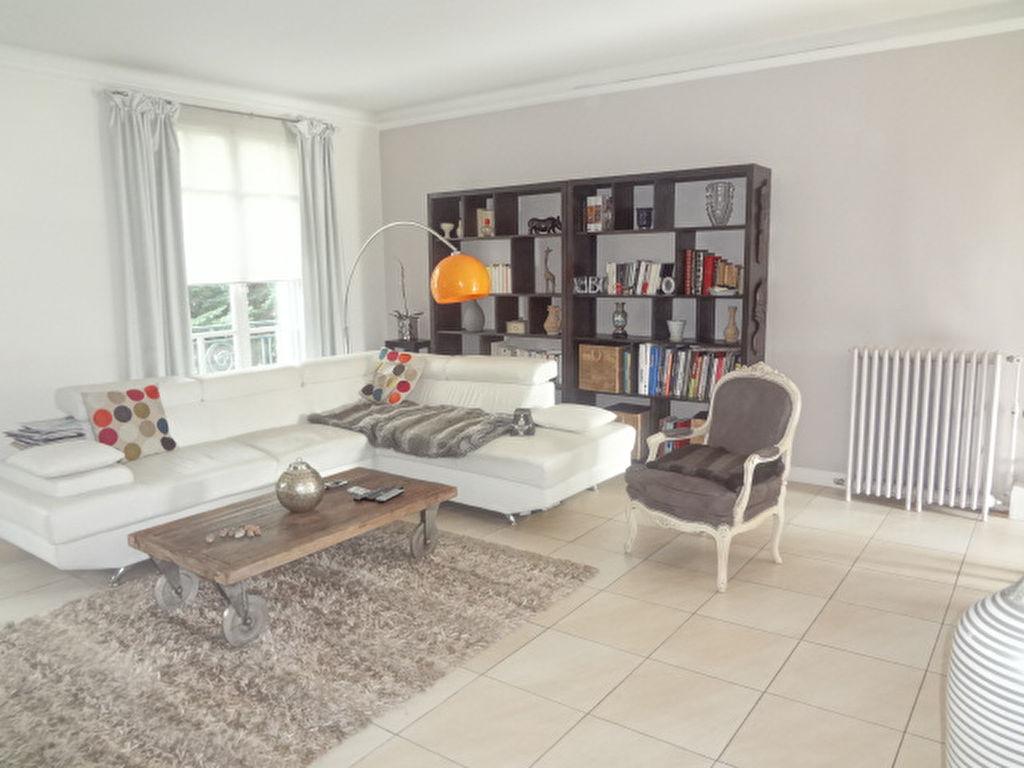 Clamart 5 pièce(s) 113 m2 avec terrasse de 60m² à l'abri des regards!
