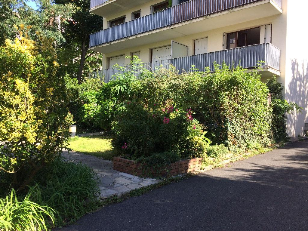 Appartement Clamart 3 pièce(s) 64m2