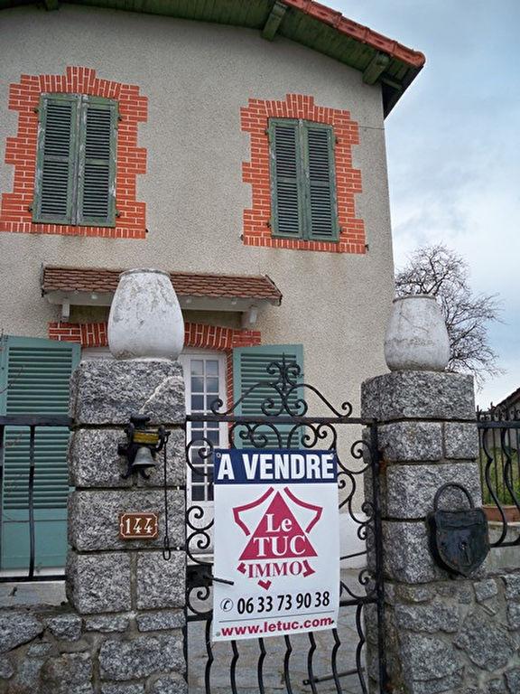 Saint Germain Laval 10 mn -  Maison  avec cour et jardin