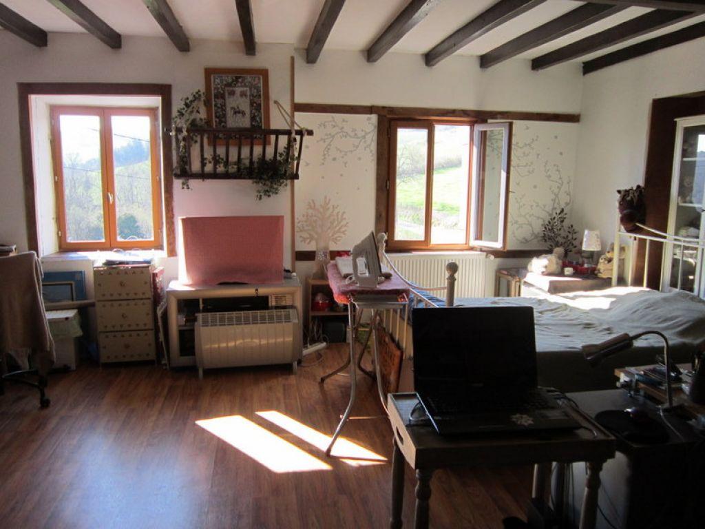 achat vente maison saint germain laval maison a vendre saint germain laval le tuc immo. Black Bedroom Furniture Sets. Home Design Ideas