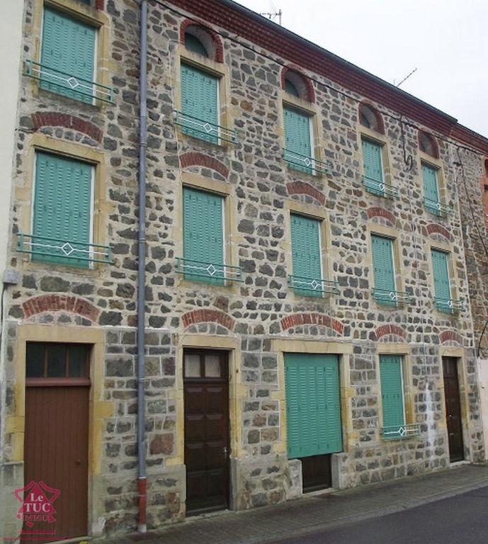 Balbigny 10 mn Maison composée de 2 logements