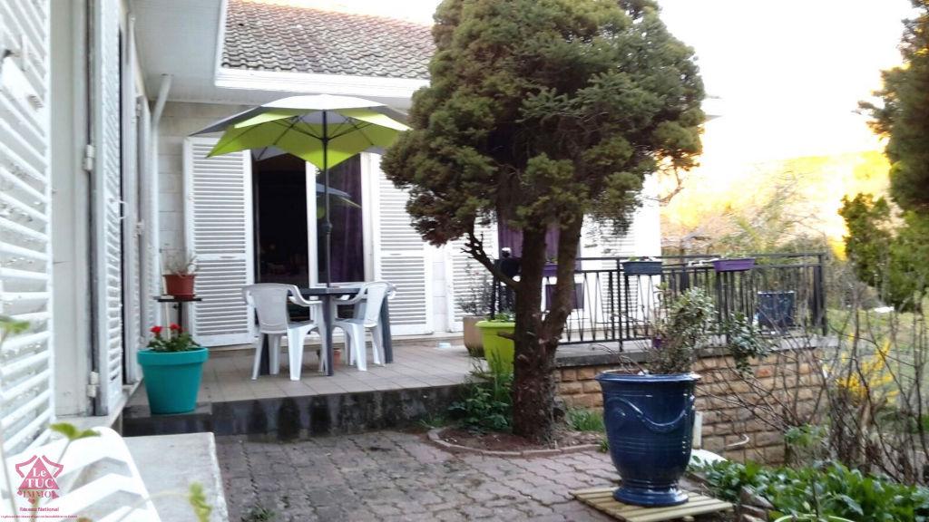 Villa Bussieres 6 pièce(s) 140 m2