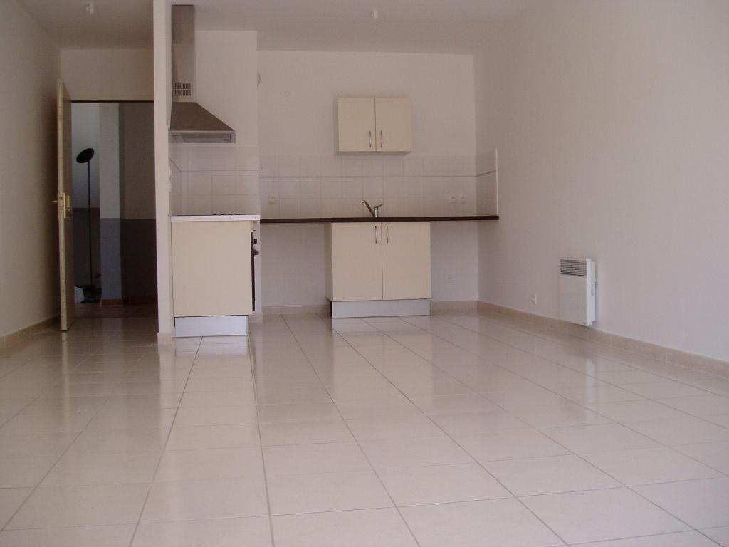 Appartement dans résidence de standing , T2 de 47 m2 avec belle terrasse et parking
