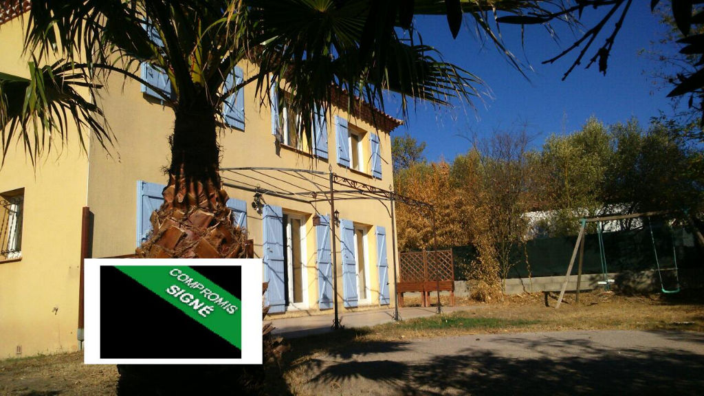 Villa de 117 m2 ,  5 pièces + garage , sur 540 m2 de terrain clos