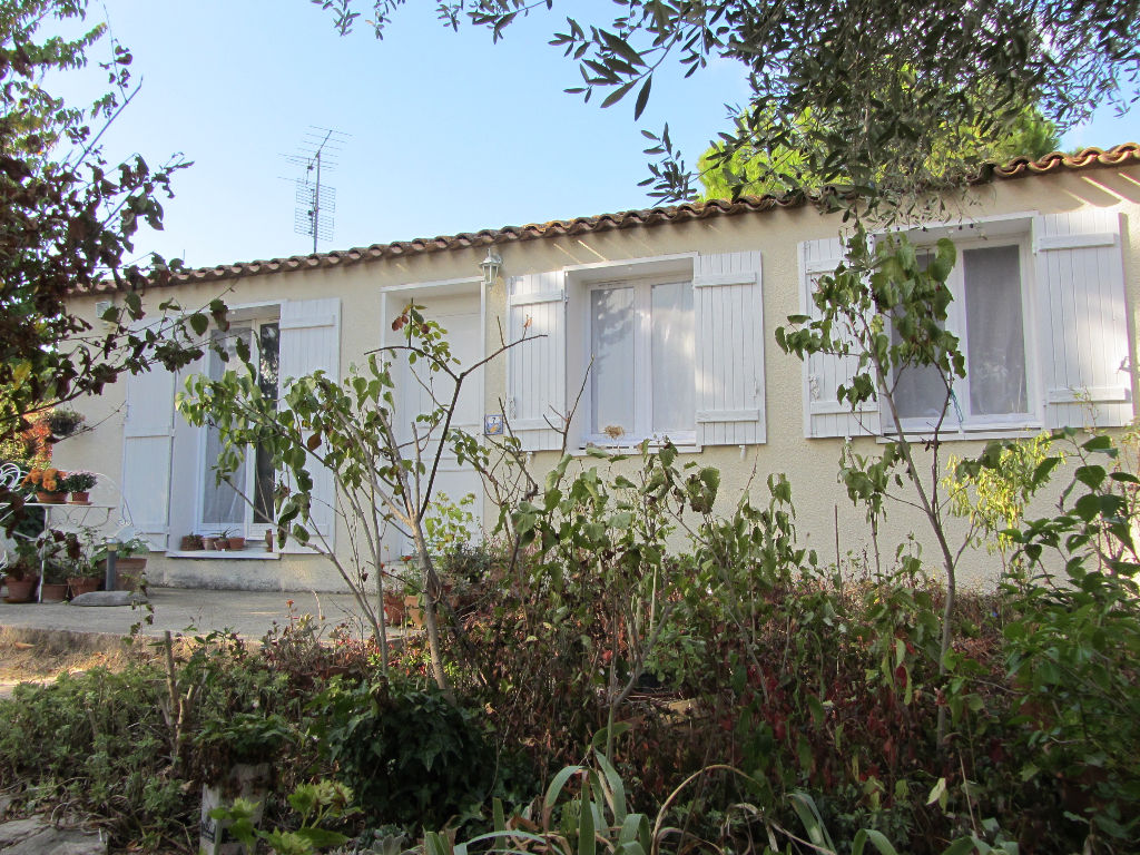 Villa T4 de plain pied 89 m2 habitable sur 650 m2 de terrain clos