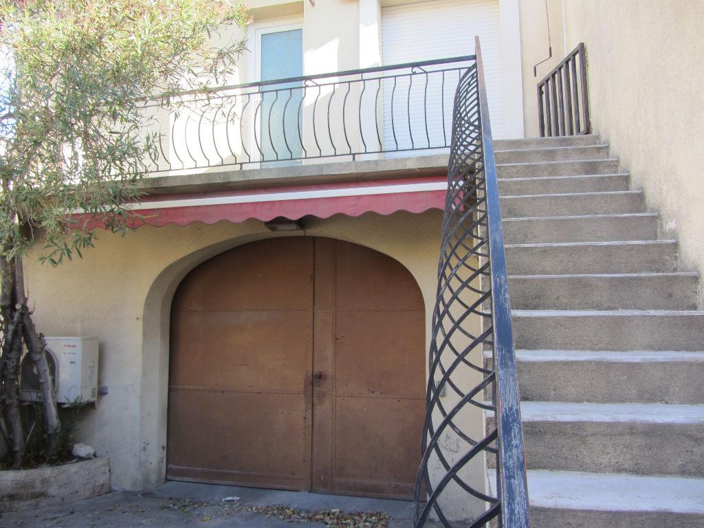 Maison de village  P4 + GARAGE + COUR