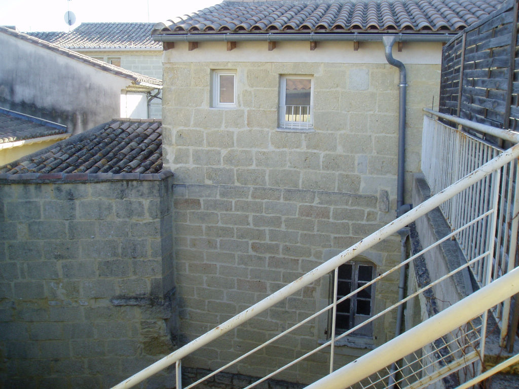 Immeuble de 6 appartements représentant 402 m2