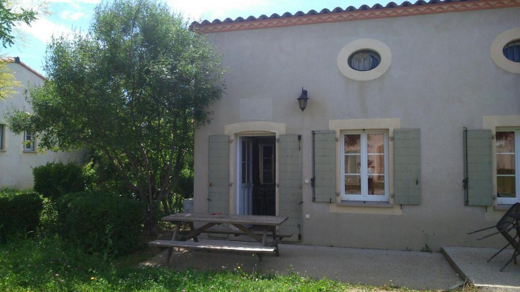 Villa meublée , type 3 de 35 m2 avec jardin et parking