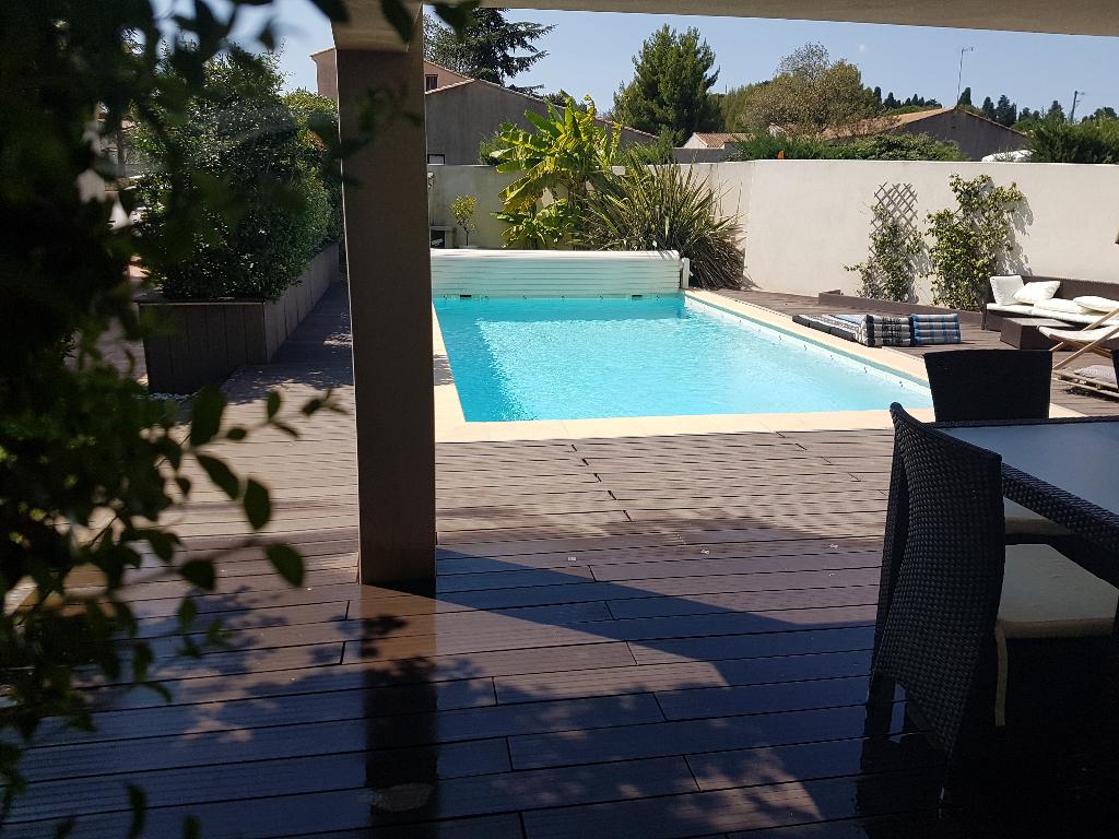 Villa de type 4  de 123 m2 habitable , garage, piscine, sur 640 m2