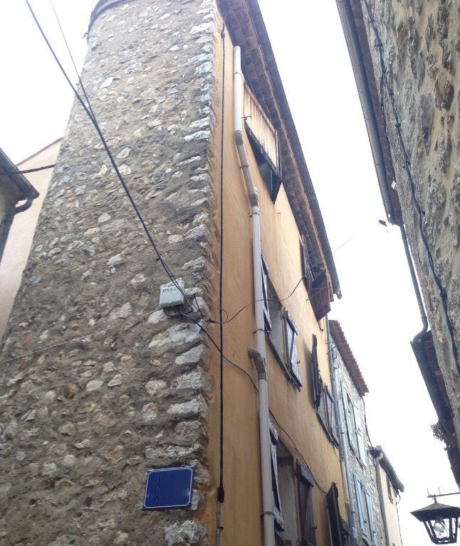 Cipières centre historique, maison de village 3 pièces et cave