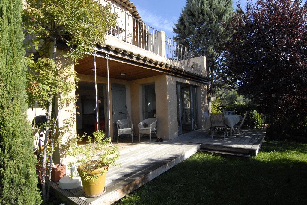 Grasse Saint Matthieu limite Saint Jean, villa individuelle avec jardinet 4 pièces
