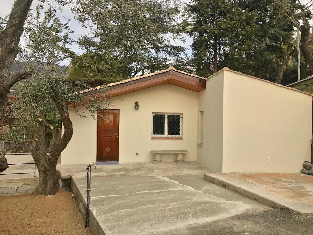 Magagnosc limite Chateauneuf à louer petite maison  individuelle 2 pièces avec terrain 300 m2 environ attenant beau quartier