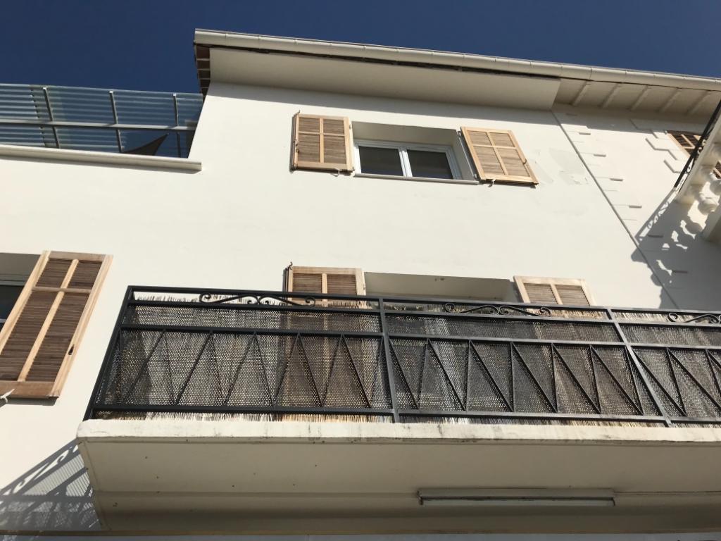 Magagnosc, appartement deux pièces très bon état, lumineux belle mer vue avec parking