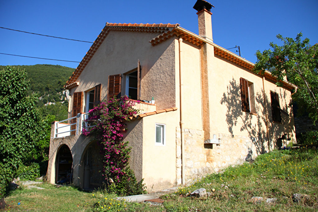 Magagnosc, à louer villa individuelle avec jardin privatif vue mer