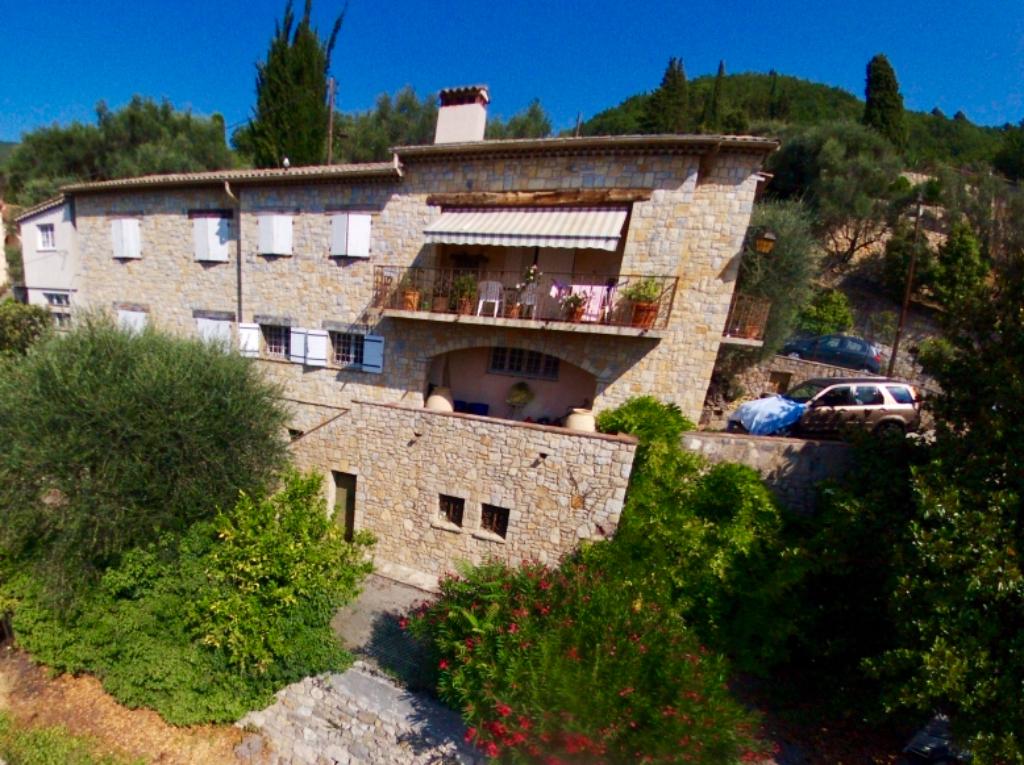 Villa individuelle en pierres 5 chambres vue mer
