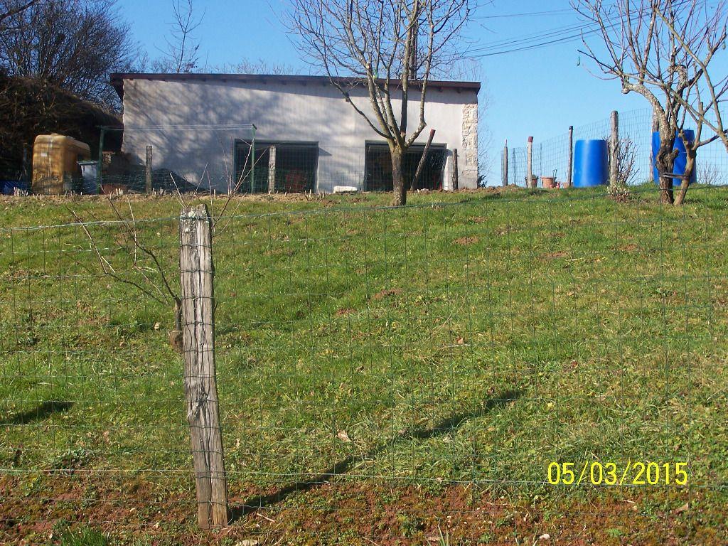 18 km Bourg en B .terrain à bâtir + garage 720 m2