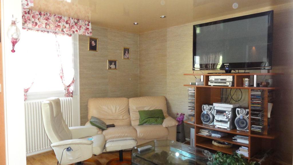 LAGNIEU - Appartement T 6 de 103 m2