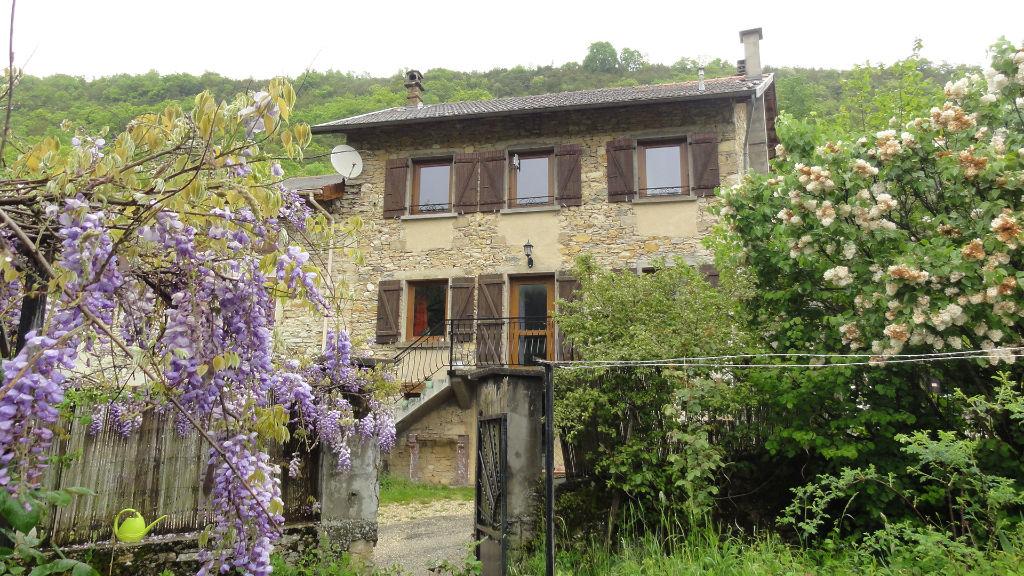 Maison Seillonnaz 4 pièces 100 m2 jardin caves