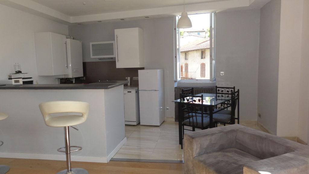 LAGNIEU - Appartement T2 bis 60 m2  - cave
