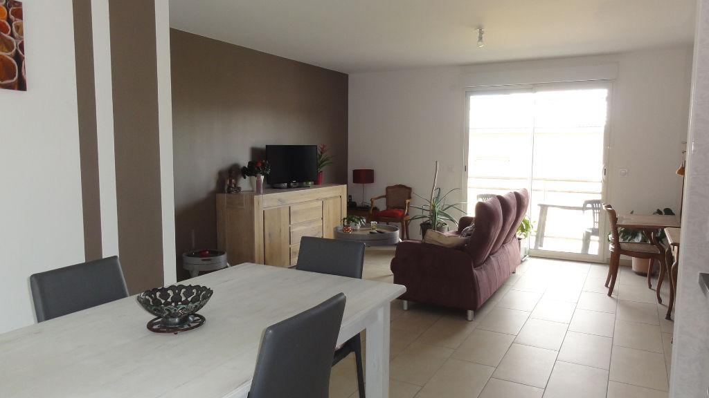 Appartement Amberieu En Bugey 4 pièces 74 m2 garage balcon