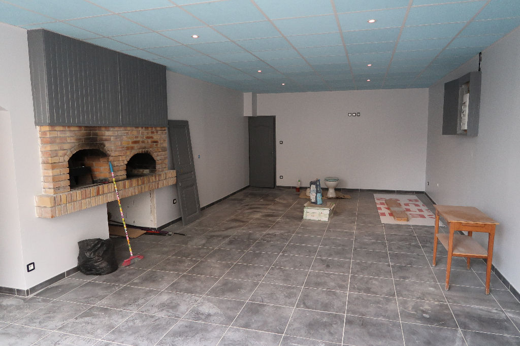 Local commercial Saint Denis En Bugey 56 m2