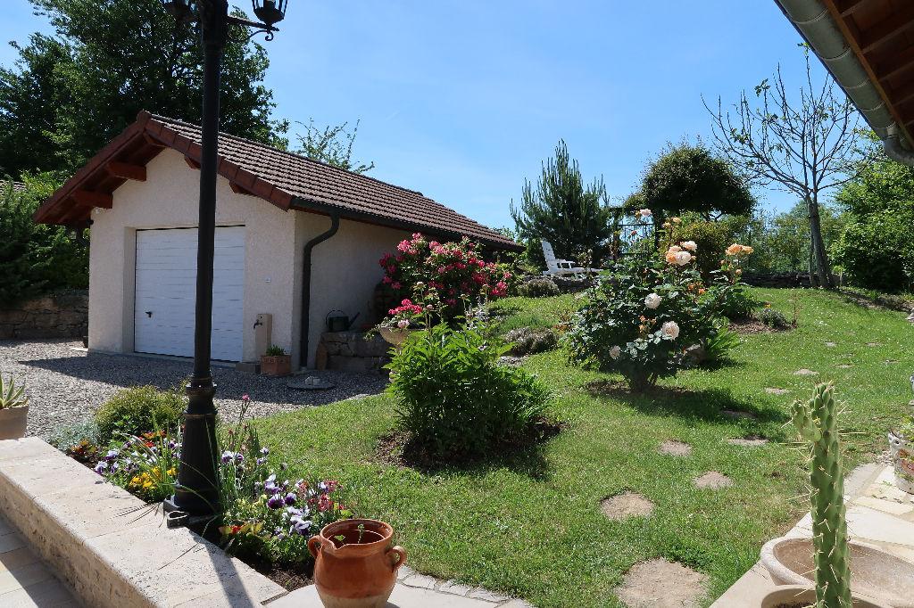 Villa Parmilieu 6 pièce(s) 135 m2