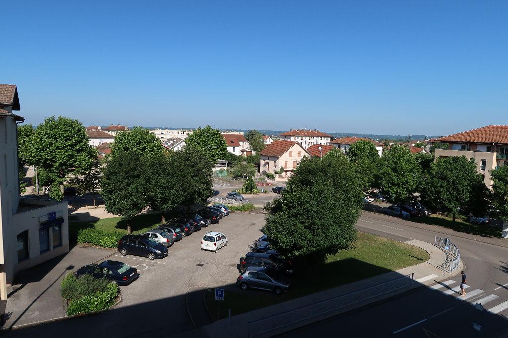 Ambérieu-en-Bugey - Grand Appartement T2 - 66 m2