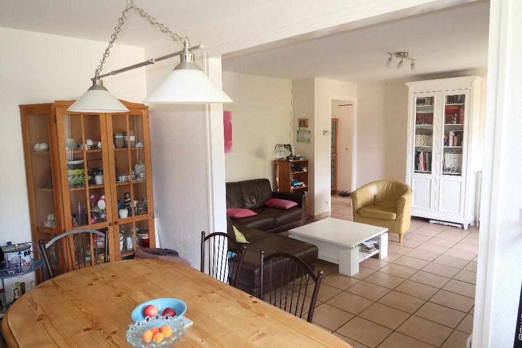 LAGNIEU - Appartement  T5 de 88 m2 - Terrasse - Garage + cave