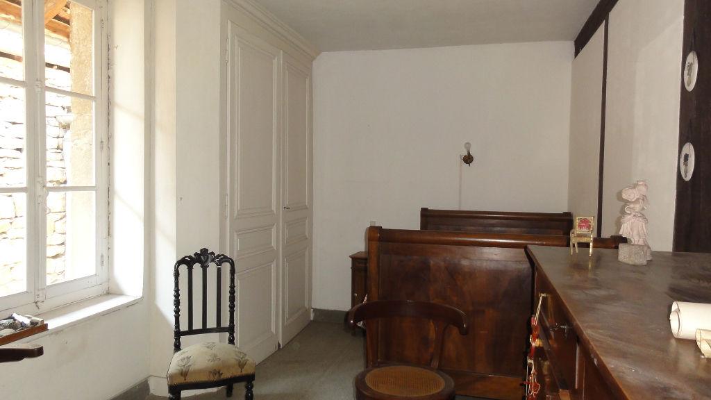 8 min Lagnieu - Maison 6 pièces 120 m2