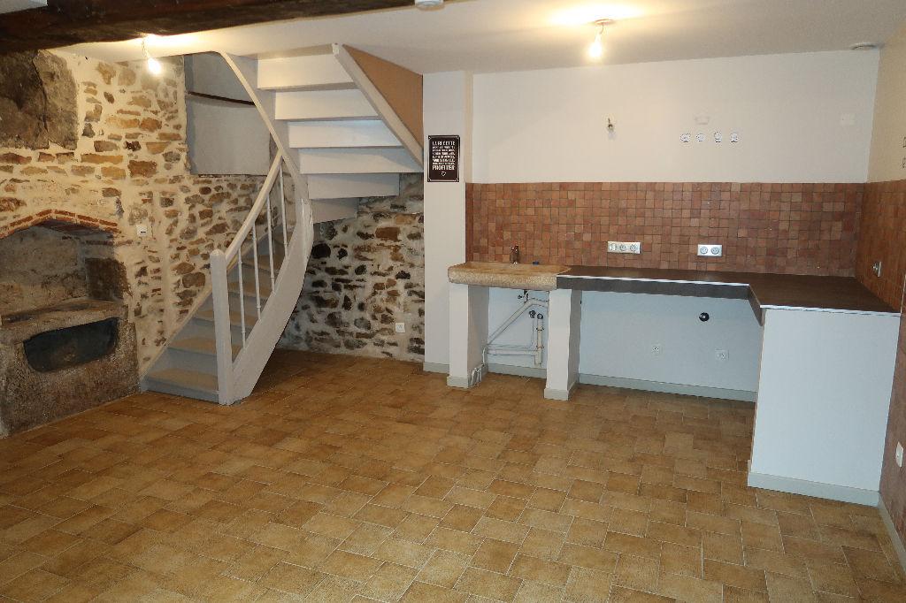 LAGNIEU Centre - Maison de ville 4 pièces 81 m²