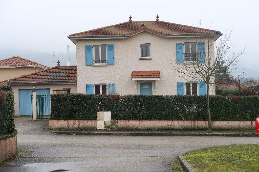 LAGNIEU - Villa 125 m² avec jardin 800 m²