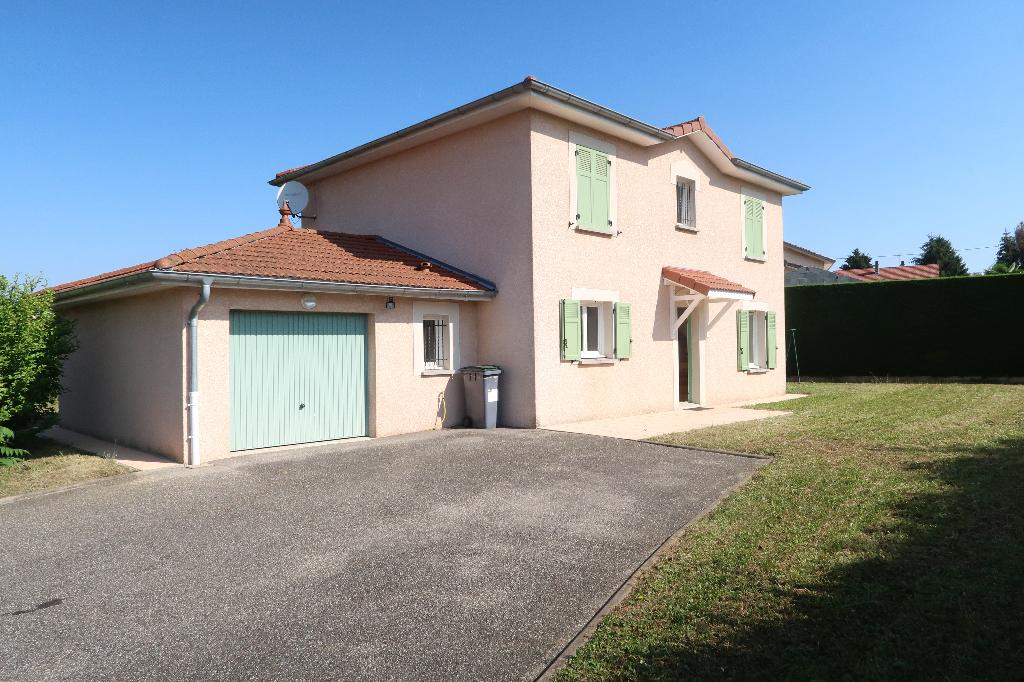 LAGNIEU - Villa 125 m² avec jardin 833 m²