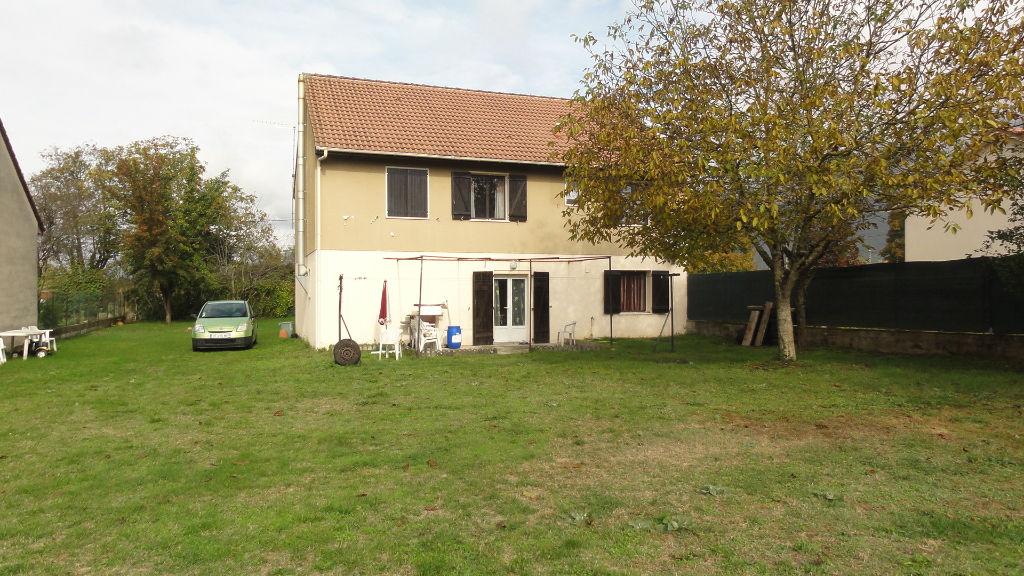 15 min Lagnieu - Maison T 7 terrain 500 m²