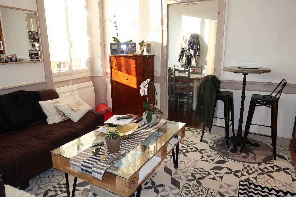 JUJURIEUX bel appartement T3 de 62 m²