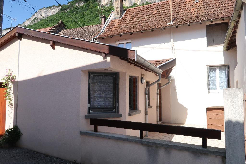 Serrières De Briord -  Maison de ville de 65 m²