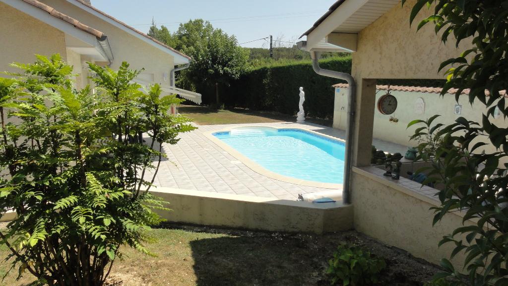 Porcieu Amblagnieu villa T6, 173 m2 sur terrain 1 500 m²