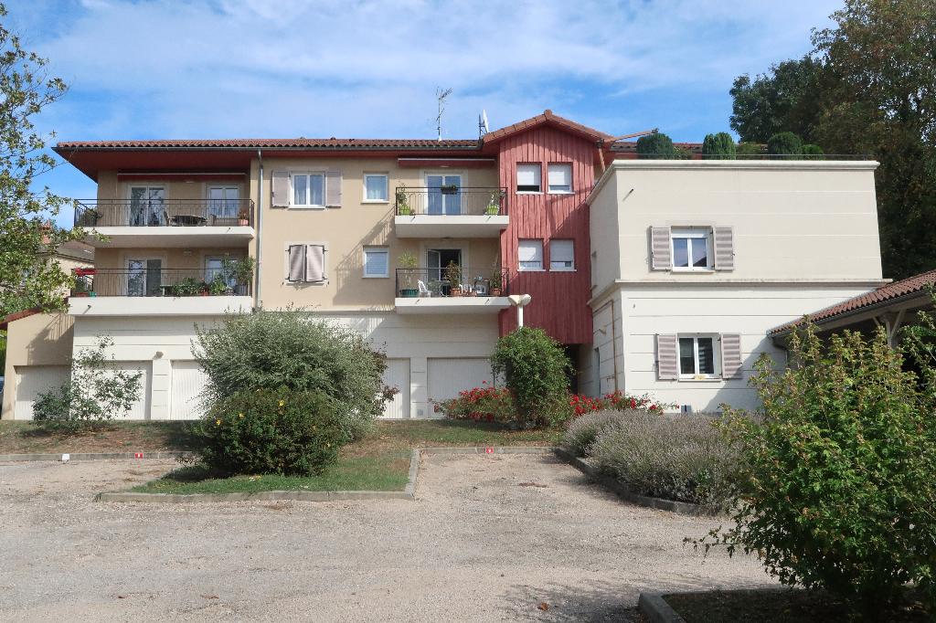 LAGNIEU - Appartement T3 avec rez de jardin de 120 m²