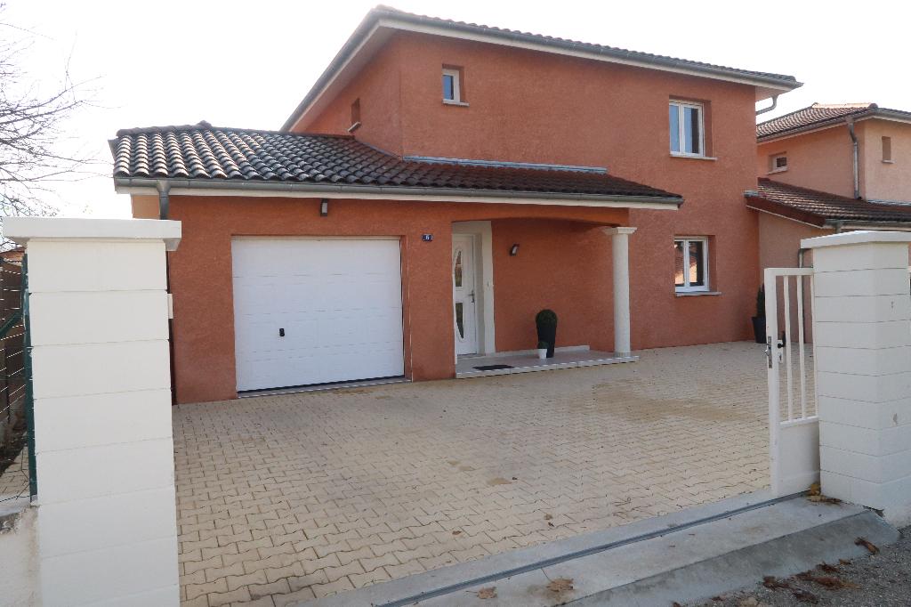 AMBERIEU EN BUGEY - Villa 110 m² avec jardin de 400 m²