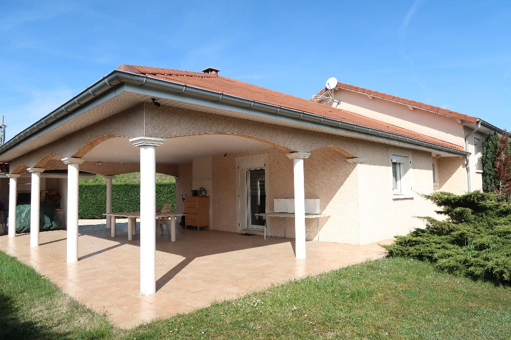 A 2 min AMBERIEU-EN-BUGEY - Villa T5 avec terrain de 1400 m²
