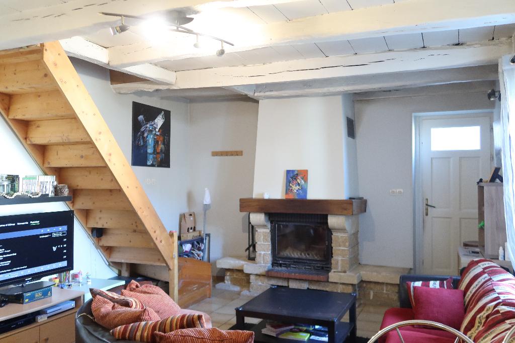 10 min LAGNIEU - Maison de village T3 de 78  m²